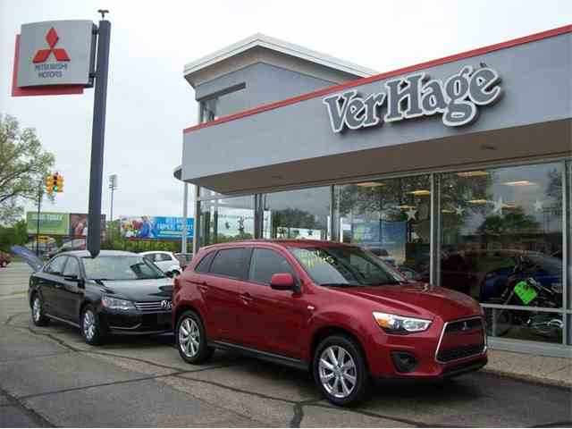 Picture of 2014 Mitsubishi Outlander located in Michigan - NDV9