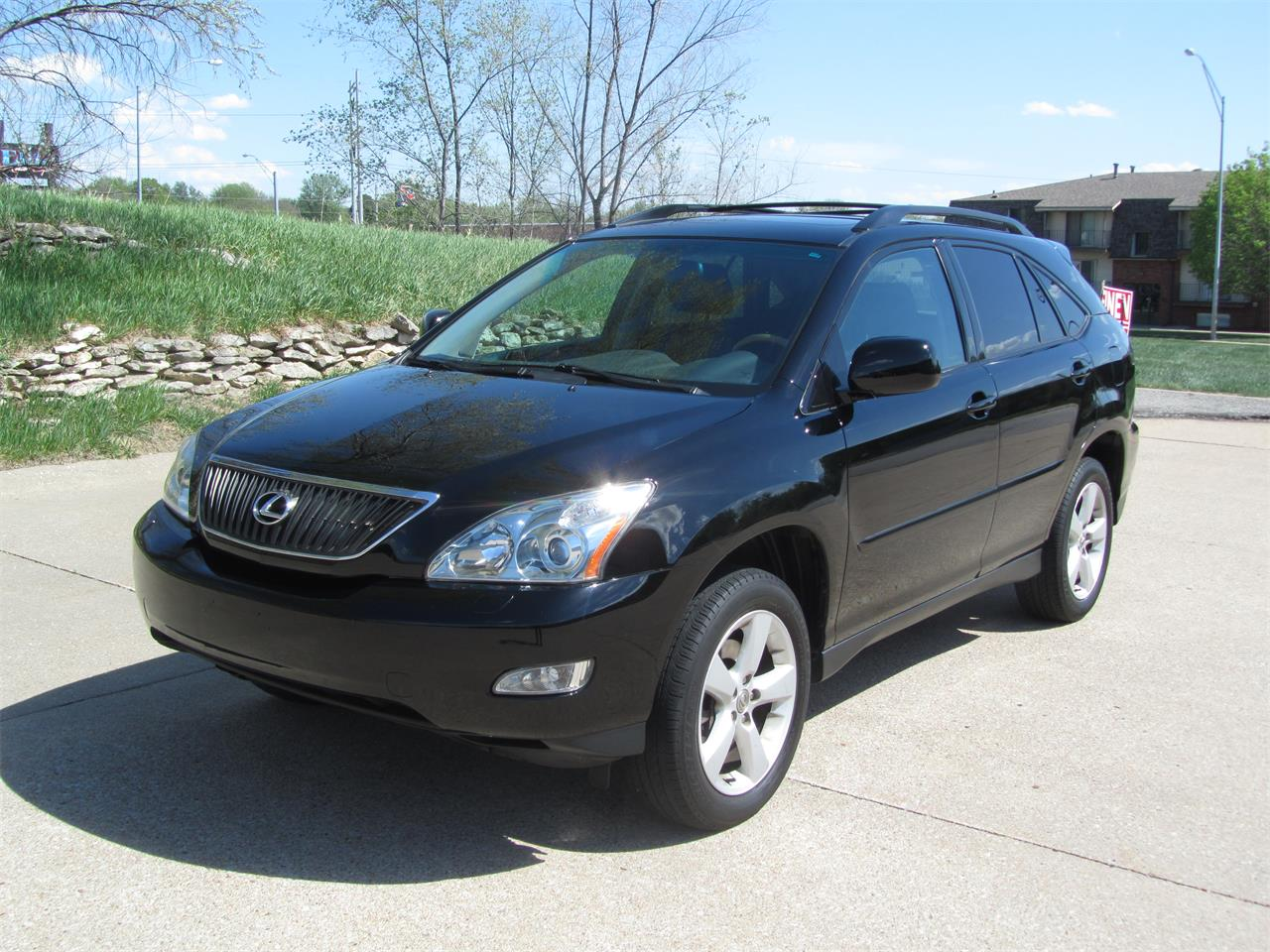 Large Picture of 2005 RX330 located in Nebraska Offered by Classic Auto Sales - NE2J