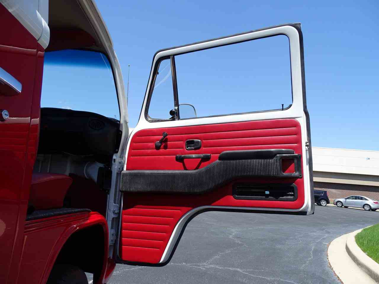 Large Picture of '74 Volkswagen Westfalia Camper Offered by Gateway Classic Cars - St. Louis - NEEL