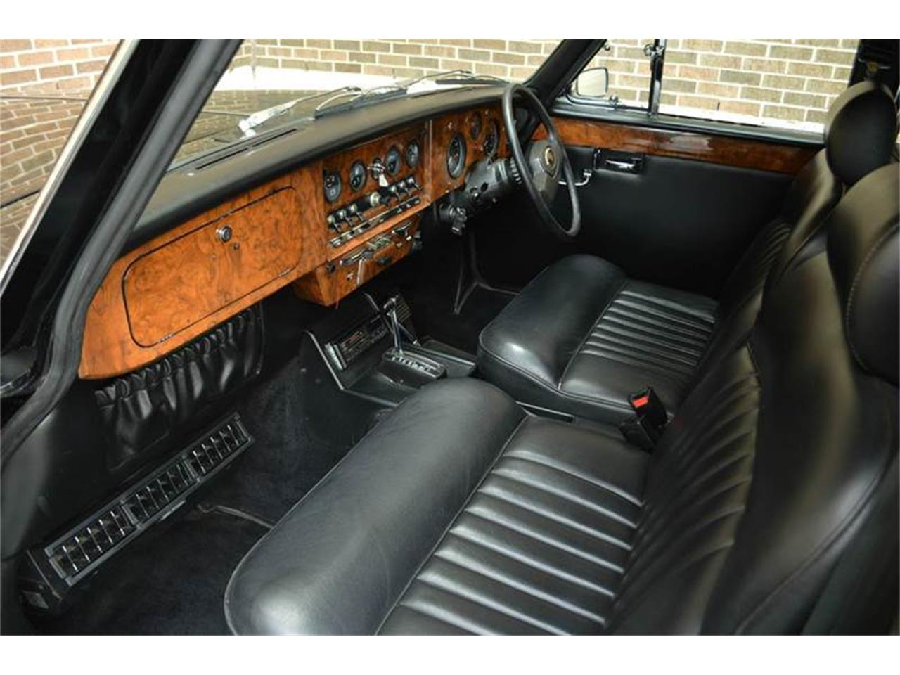 Large Picture of '85 Jaguar Daimler located in Illinois - NEFO