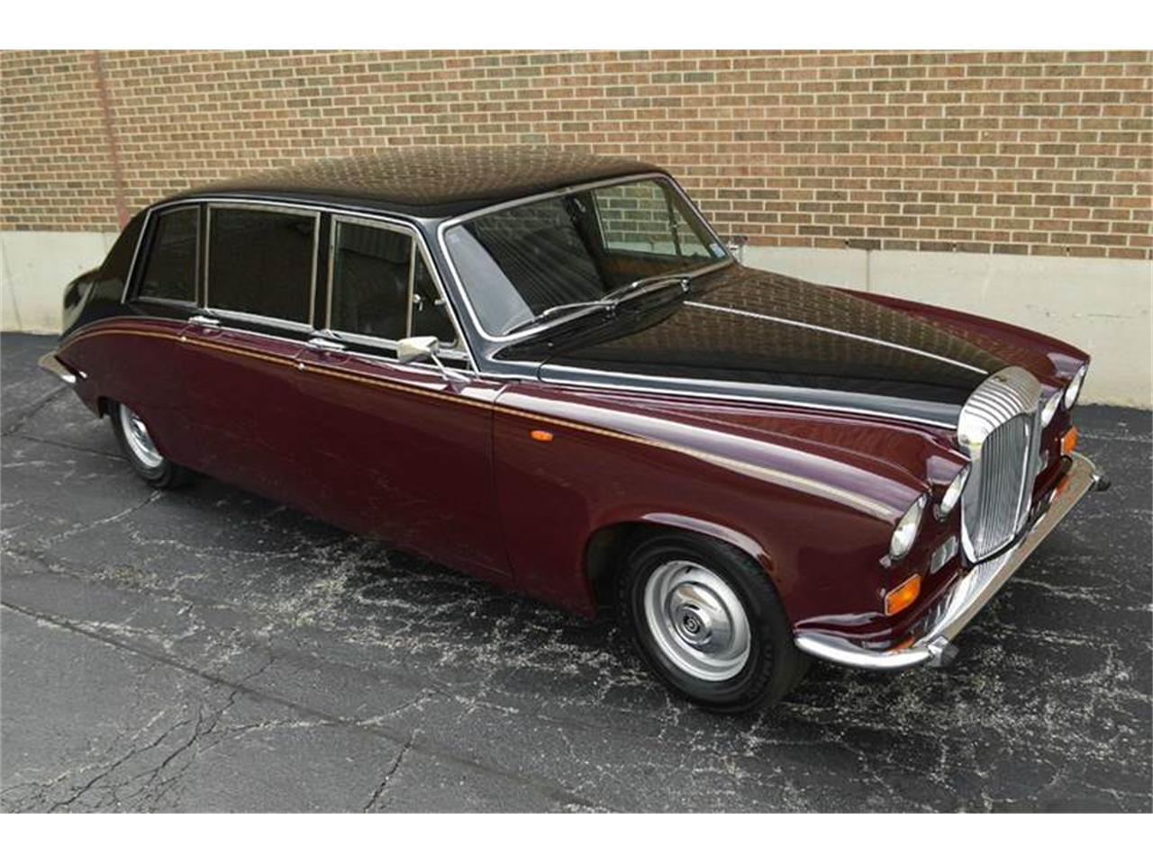 Large Picture of 1985 Daimler - NEFO