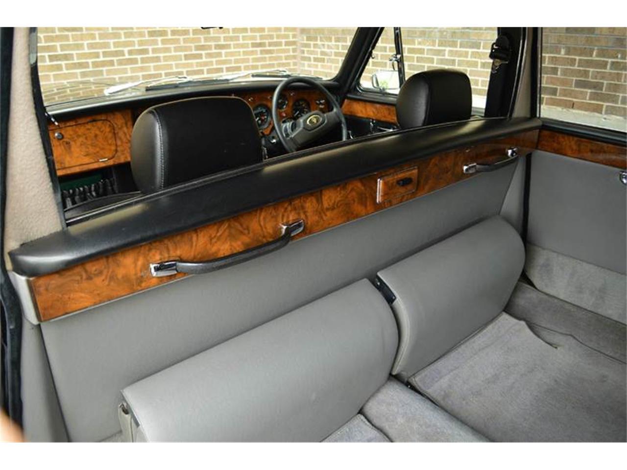 Large Picture of '85 Jaguar Daimler located in Carey Illinois - NEFO