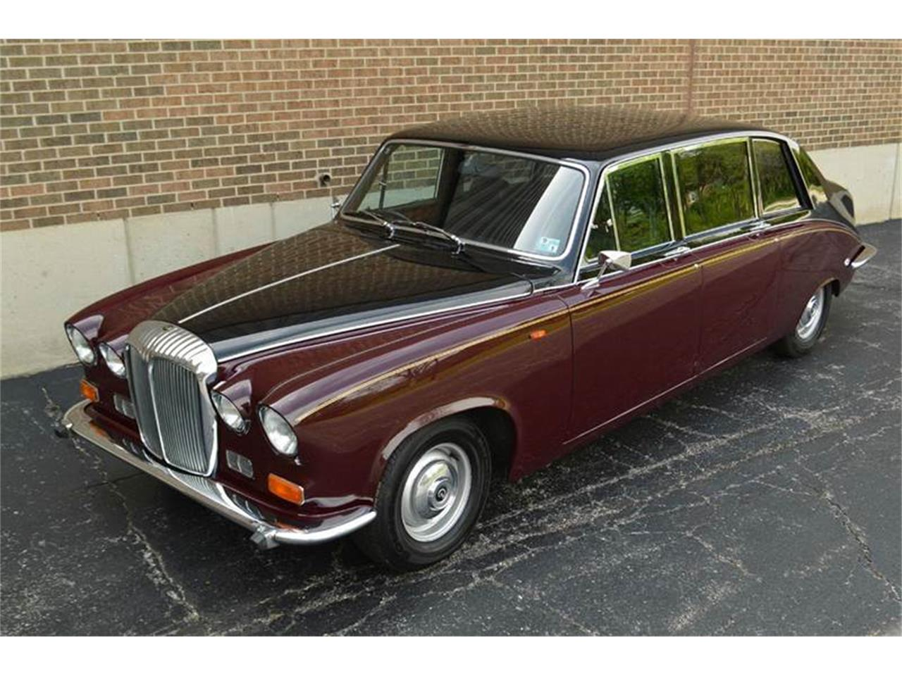 Large Picture of 1985 Jaguar Daimler located in Illinois - $44,500.00 - NEFO