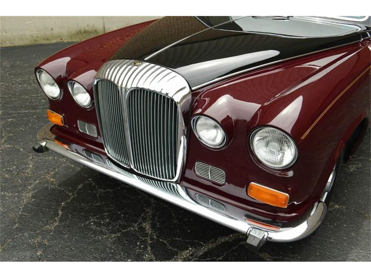 Large Picture of '85 Jaguar Daimler located in Carey Illinois - $44,500.00 Offered by Park-Ward Motors - NEFO