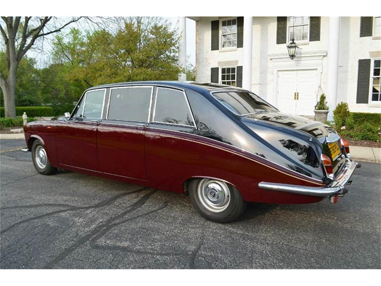 Large Picture of 1985 Daimler located in Illinois - $44,500.00 Offered by Park-Ward Motors - NEFO