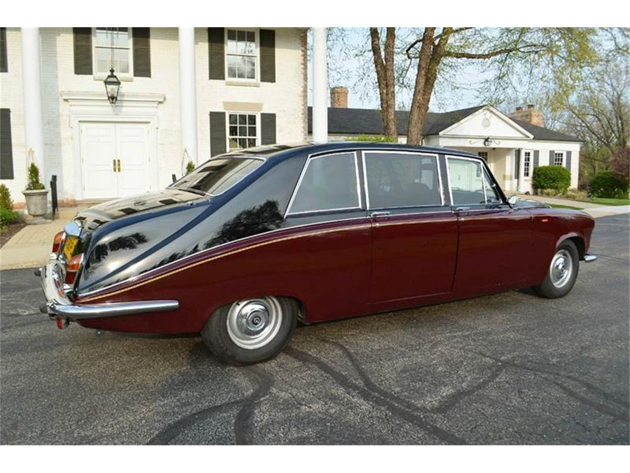 Large Picture of '85 Daimler located in Carey Illinois Offered by Park-Ward Motors - NEFO