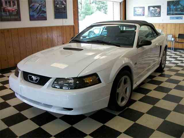 Picture of 2000 Ford Mustang located in Farmington Michigan - $7,995.00 - NEHU