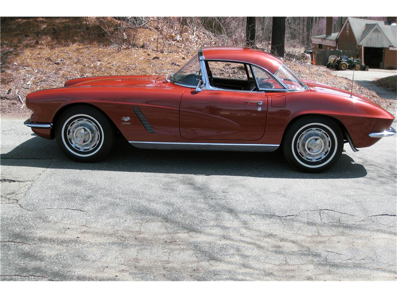 Large Picture of Classic 1962 Chevrolet Corvette located in Uncasville Connecticut Auction Vehicle Offered by Barrett-Jackson - NELK