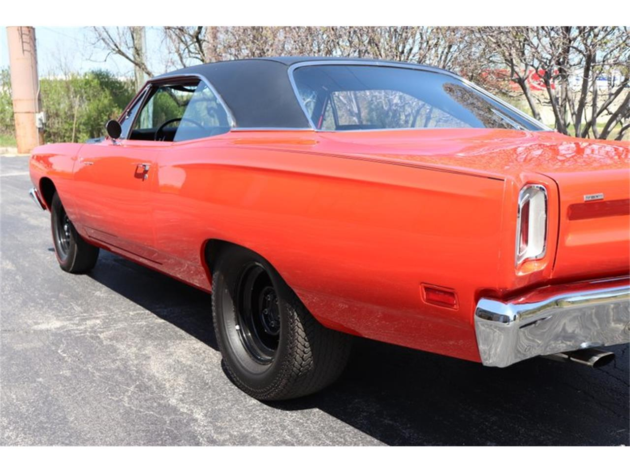 Large Picture of Classic 1969 Road Runner located in Alsip Illinois Offered by Midwest Car Exchange - NENK