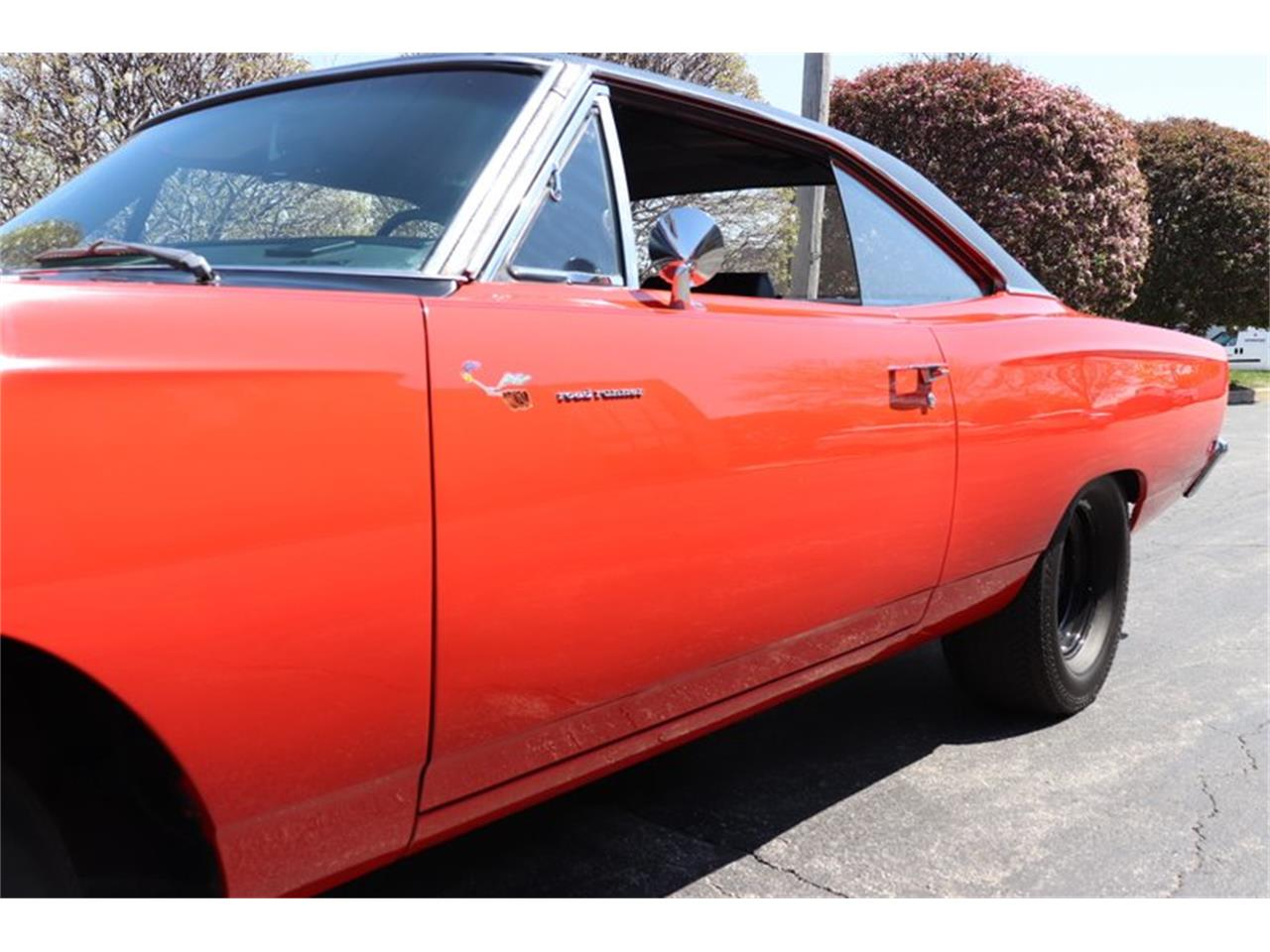 Large Picture of 1969 Plymouth Road Runner located in Illinois Offered by Midwest Car Exchange - NENK