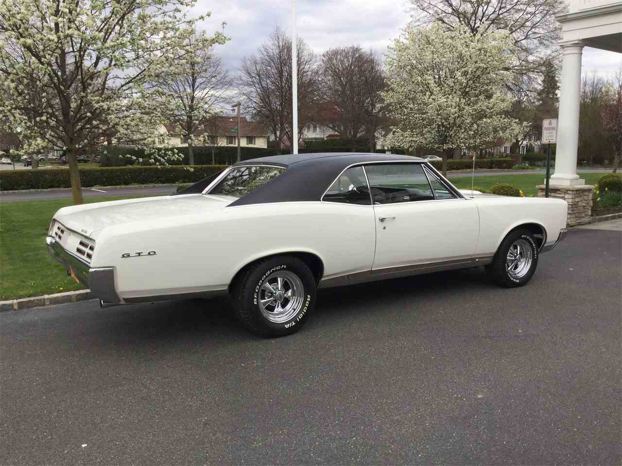 Large Picture of '67 GTO - NEW0