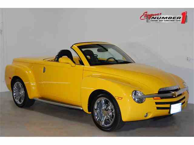Picture of 2004 Chevrolet SSR located in Minnesota - NEXX