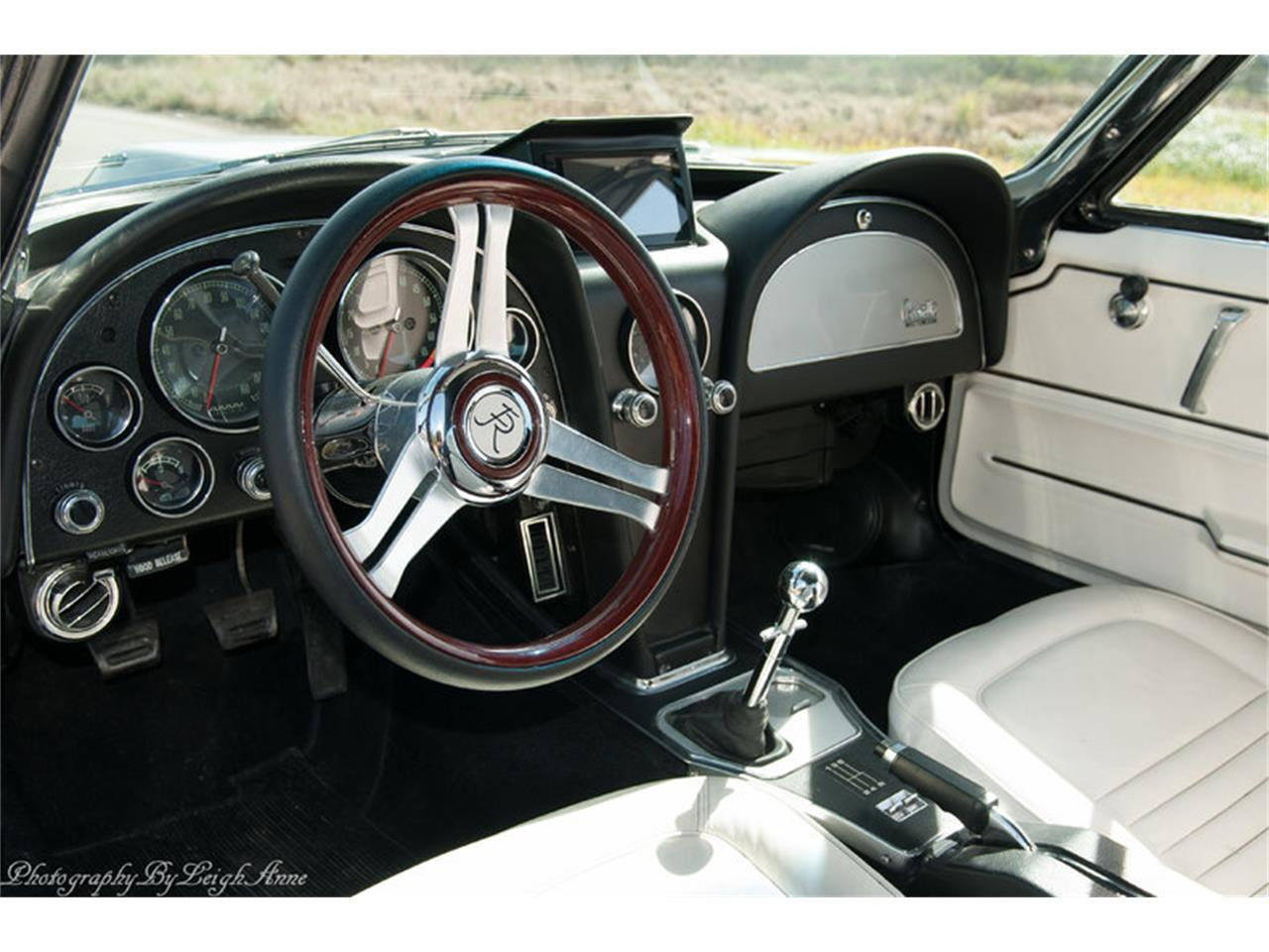 Large Picture of Classic '67 Corvette located in Florida Auction Vehicle Offered by Premier Auction Group - NF44