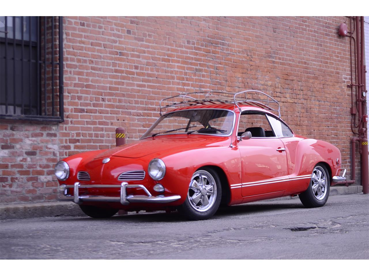 Large Picture of Classic 1969 Volkswagen Karmann Ghia located in Venice California - NDA6