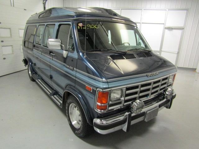 Picture of '91 Ram Van located in Christiansburg Virginia - NFN7