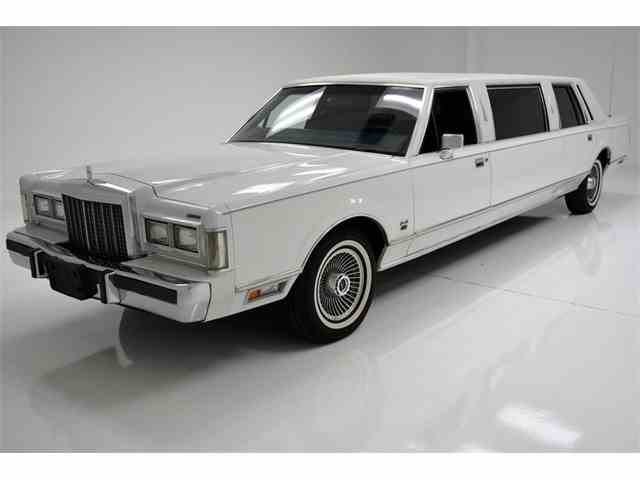 Picture of 1985 Lincoln Town Car located in Pennsylvania - NG6I