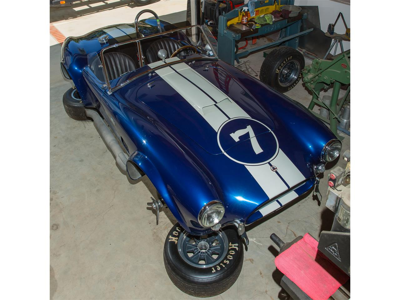 Large Picture of '64 Cobra located in Zamperini Field California Auction Vehicle - NG6U