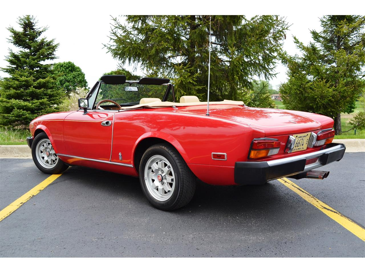 Large Picture of 1982 Fiat Spider located in Barrington Illinois - NG7E
