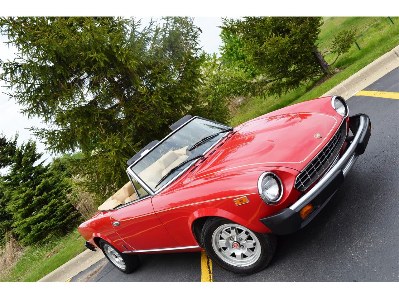 Large Picture of '82 Fiat Spider located in Illinois - $25,995.00 - NG7E