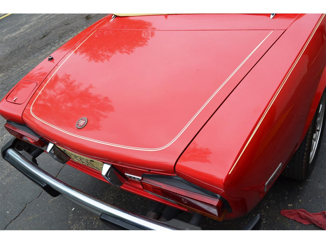Large Picture of 1982 Fiat Spider located in Illinois - NG7E