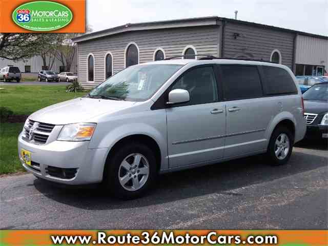 Picture of 2010 Dodge Grand Caravan located in Ohio Offered by  - NGBS
