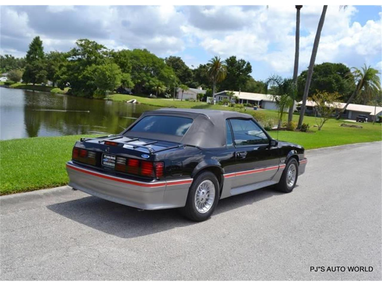Large Picture of 1989 Ford Mustang located in Florida - $17,900.00 - NGI8