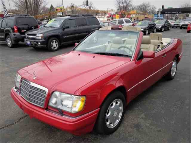 Picture of 1994 Mercedes-Benz 300CE located in Missouri Offered by  - NGP3