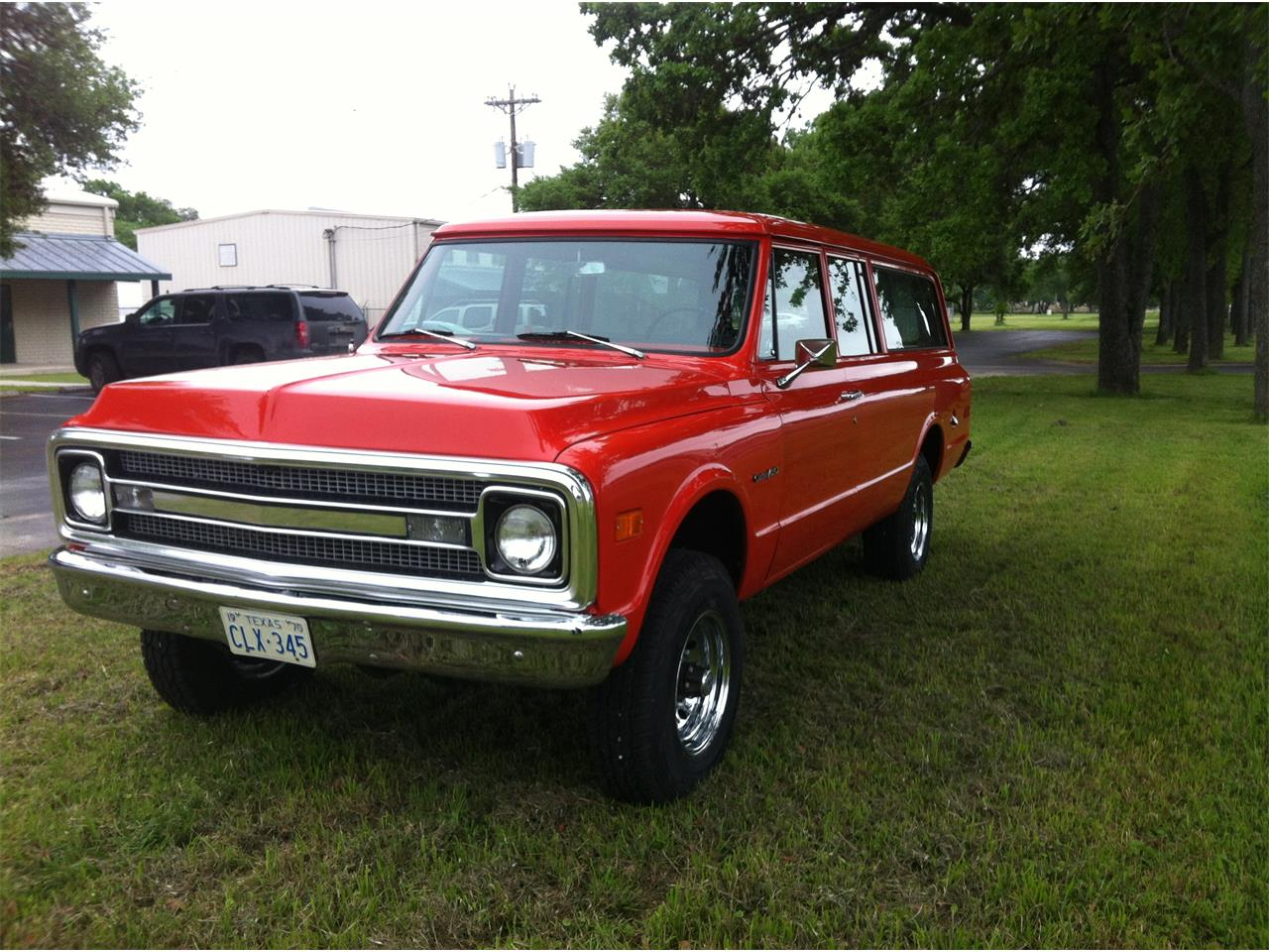 Large Picture of '70 Suburban - NGY4