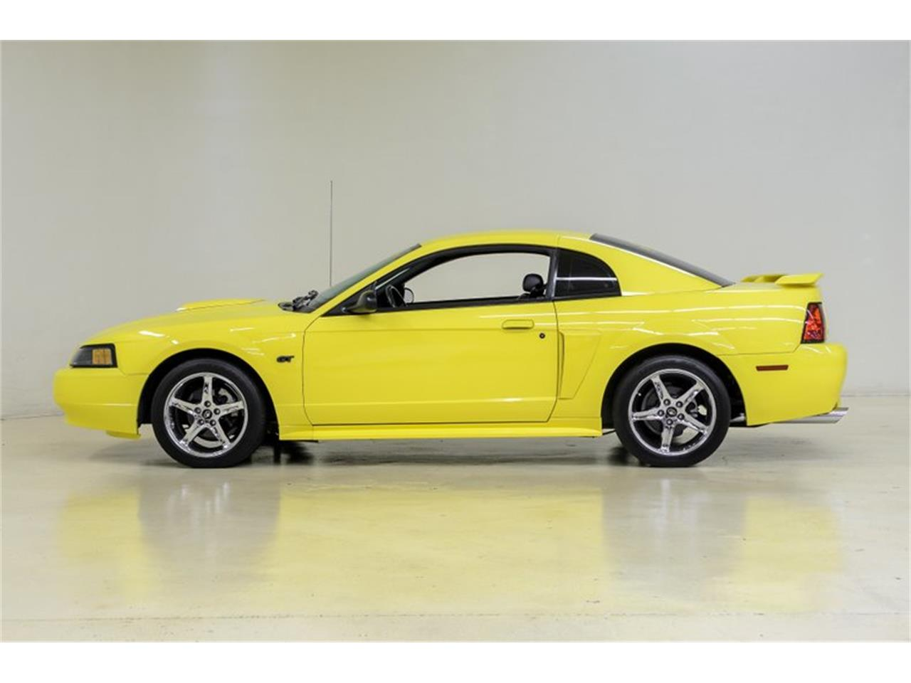 Large Picture of '01 Mustang - NH15