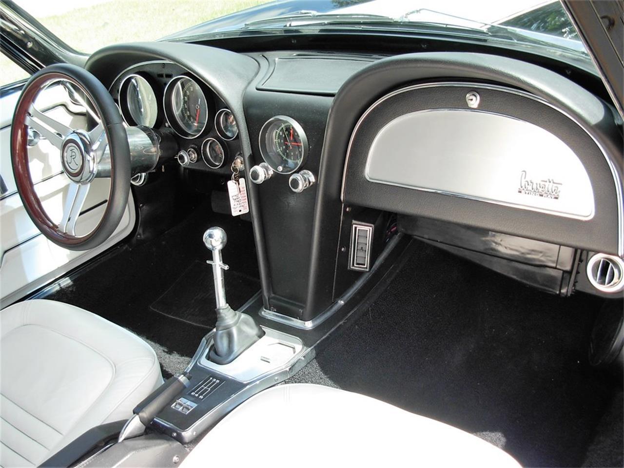 Large Picture of '67 Corvette - NDGV