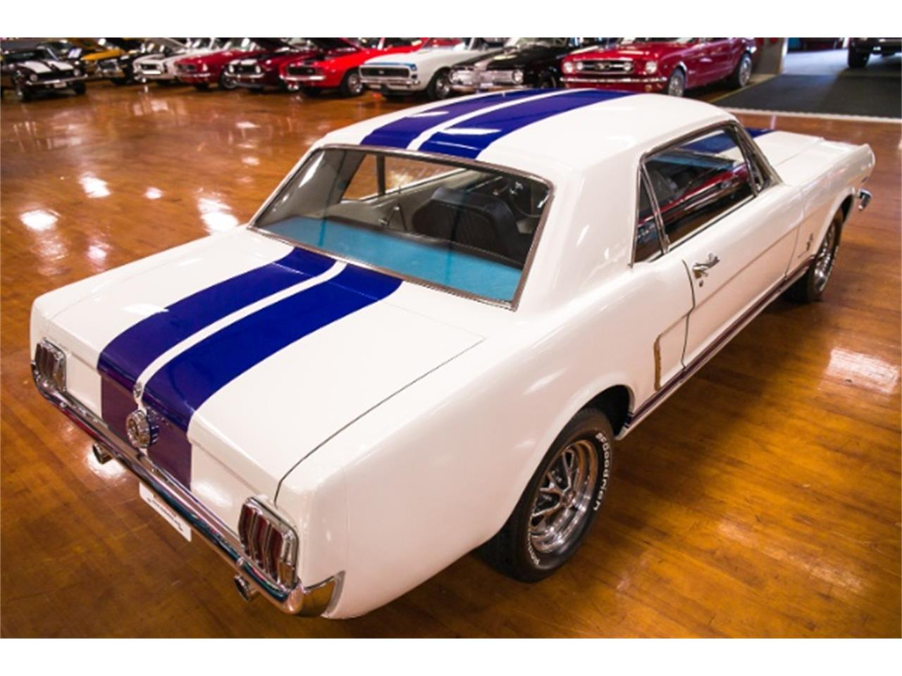 Large Picture of Classic 1965 Ford Mustang - NHVG