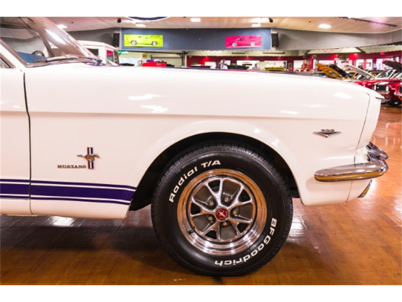 Large Picture of 1965 Mustang - NHVG