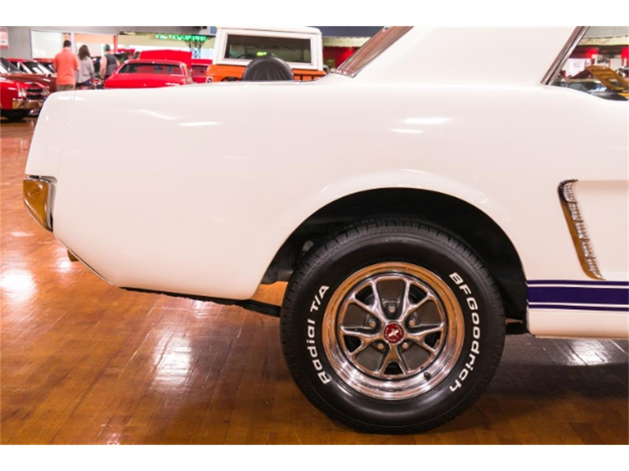 Large Picture of Classic '65 Ford Mustang - NHVG