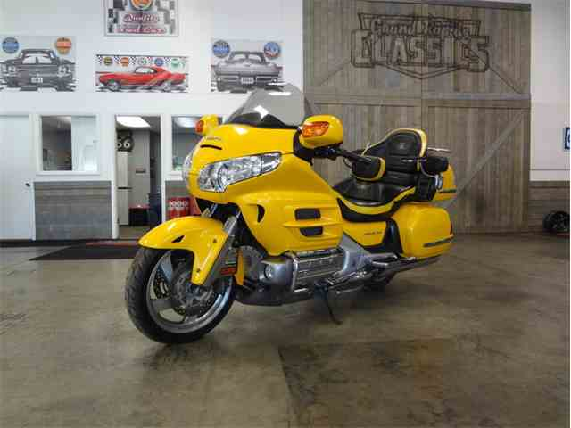 Picture of '09 Goldwing - NHZU