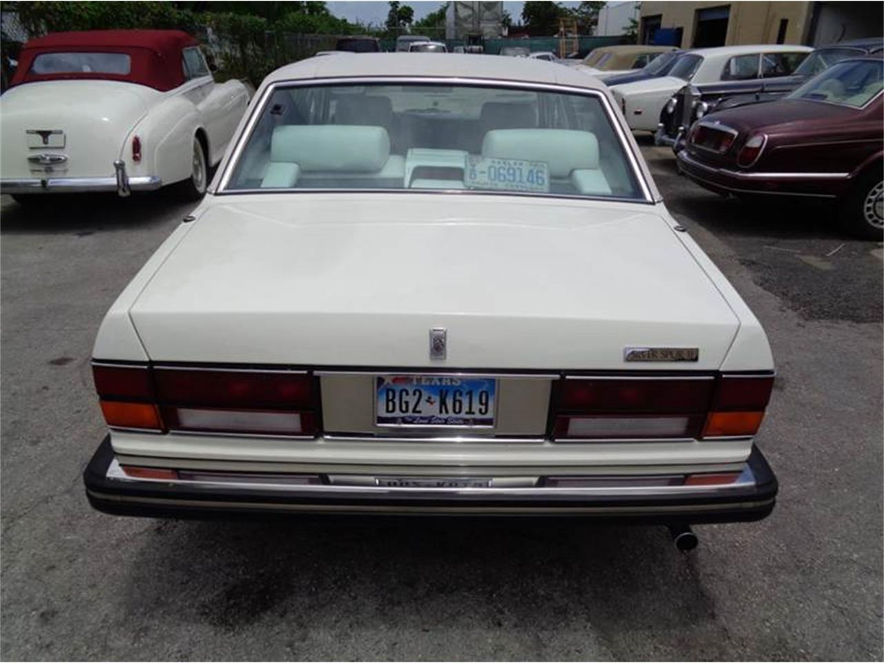 Large Picture of '91 Rolls-Royce Silver Spur - NI5D