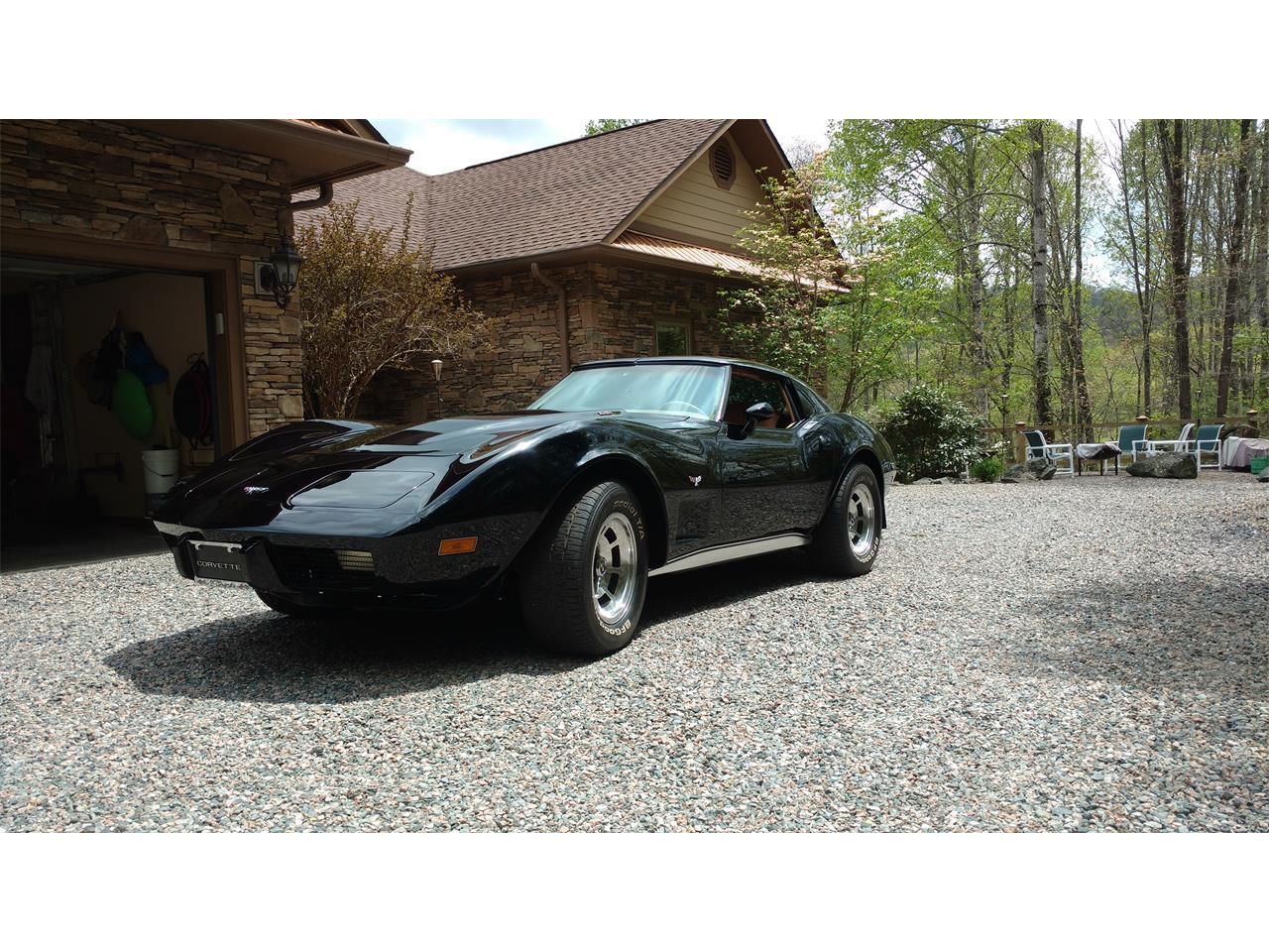 Large Picture of '77 Corvette - NIB2