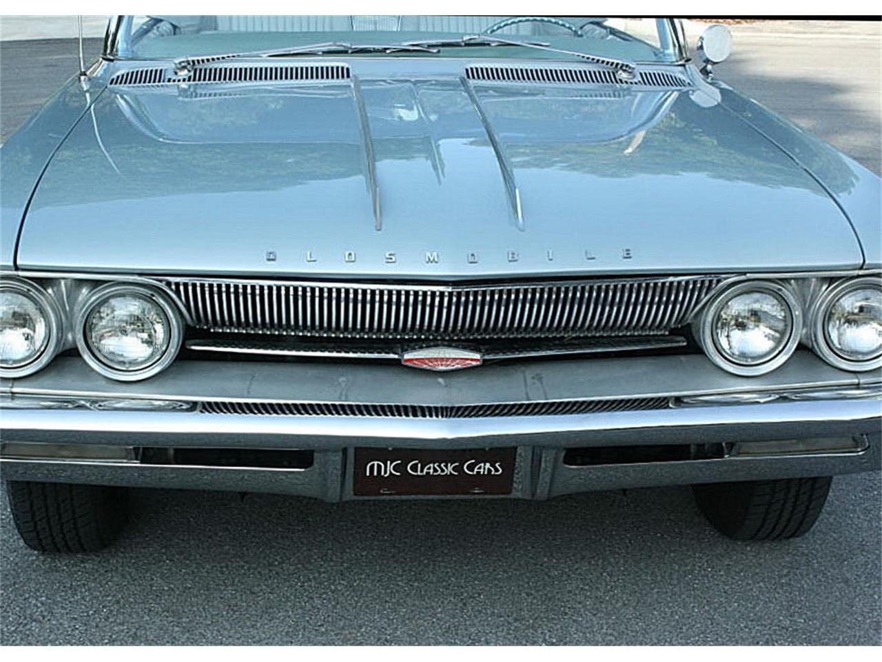 Large Picture of Classic '61 Oldsmobile Starfire - NIF7
