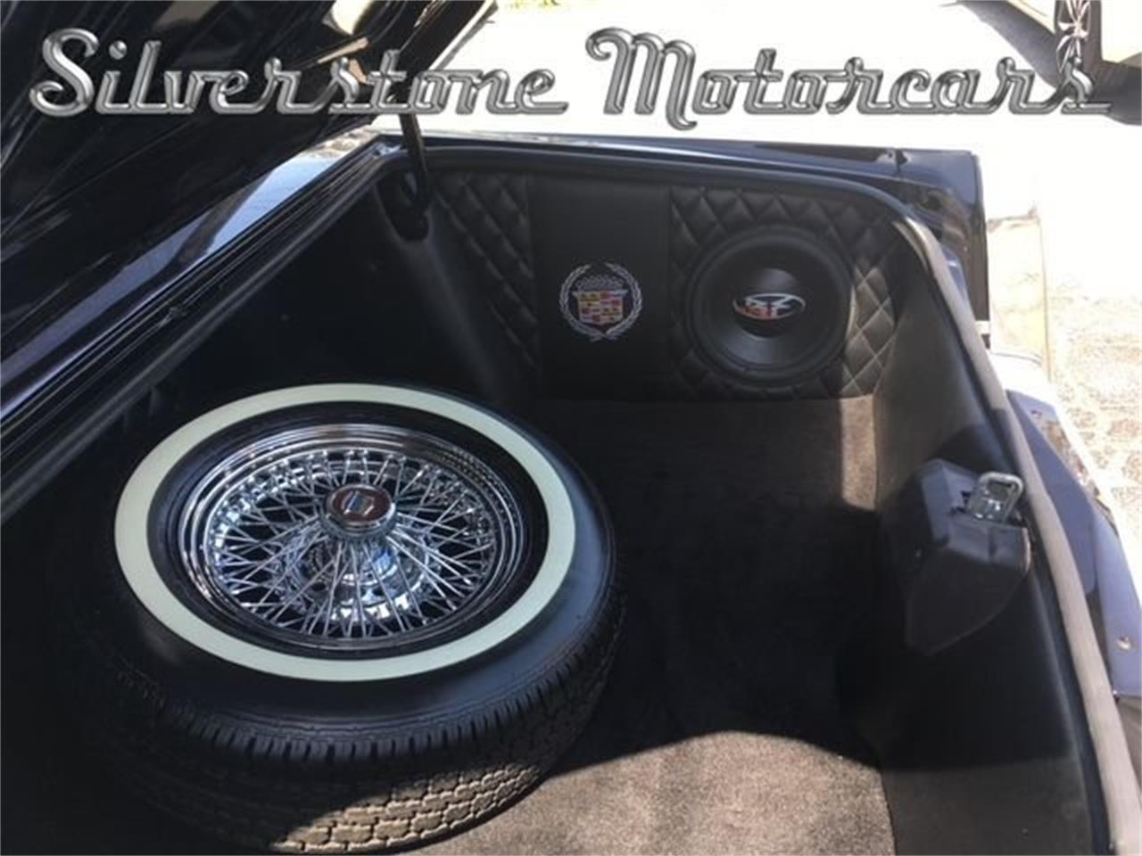 Large Picture of 1981 Cadillac Fleetwood located in Massachusetts - NIW1