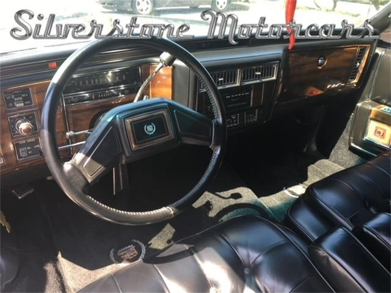 Large Picture of 1981 Cadillac Fleetwood - NIW1