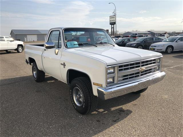 Picture of '86 Chevrolet K-10 located in Webster South Dakota Offered by  - NDOF