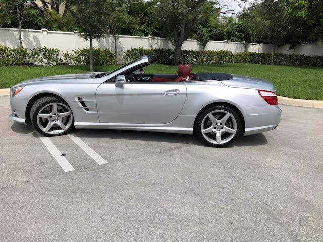 Picture of 2013 Mercedes-Benz SL-Class Auction Vehicle Offered by  - NKPD