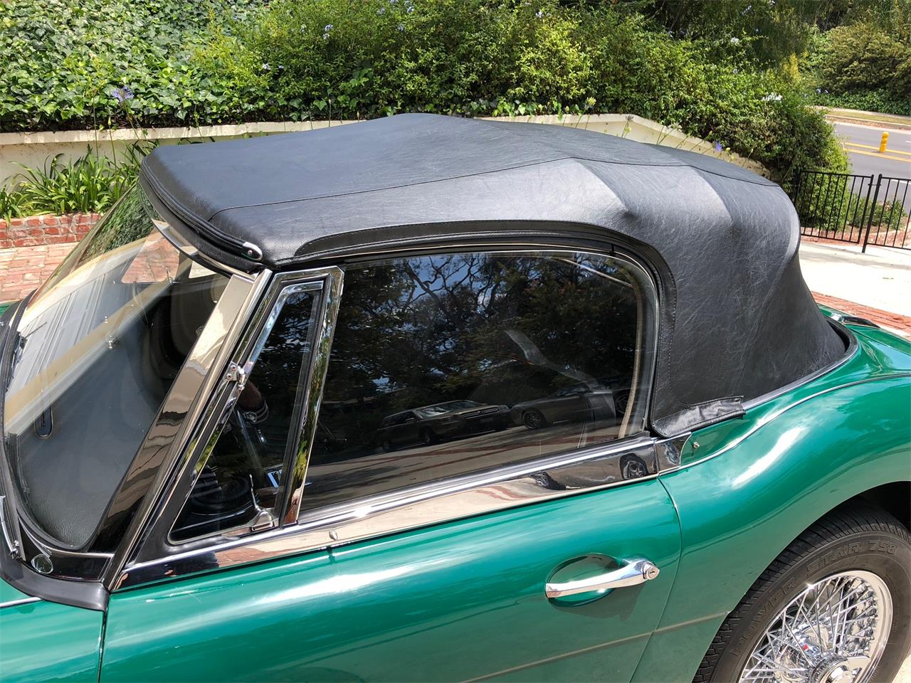 Large Picture of Classic 1967 Austin-Healey 3000 Mark III - NLOV