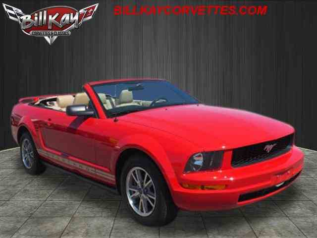 Picture of 2005 Mustang located in Downers Grove Illinois Auction Vehicle Offered by  - NKV1