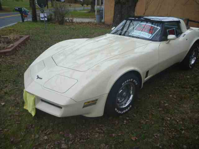 Picture of 1981 Chevrolet Corvette located in Carlisle Pennsylvania - NLYA
