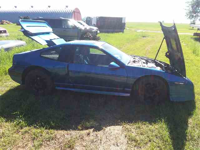 Picture of 1987 Pontiac Fiero located in North Dakota - NM0R