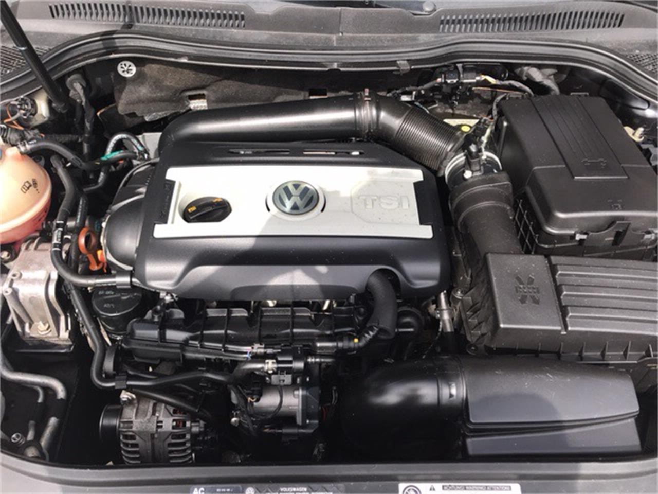 Large Picture of '10 CC - NM5W