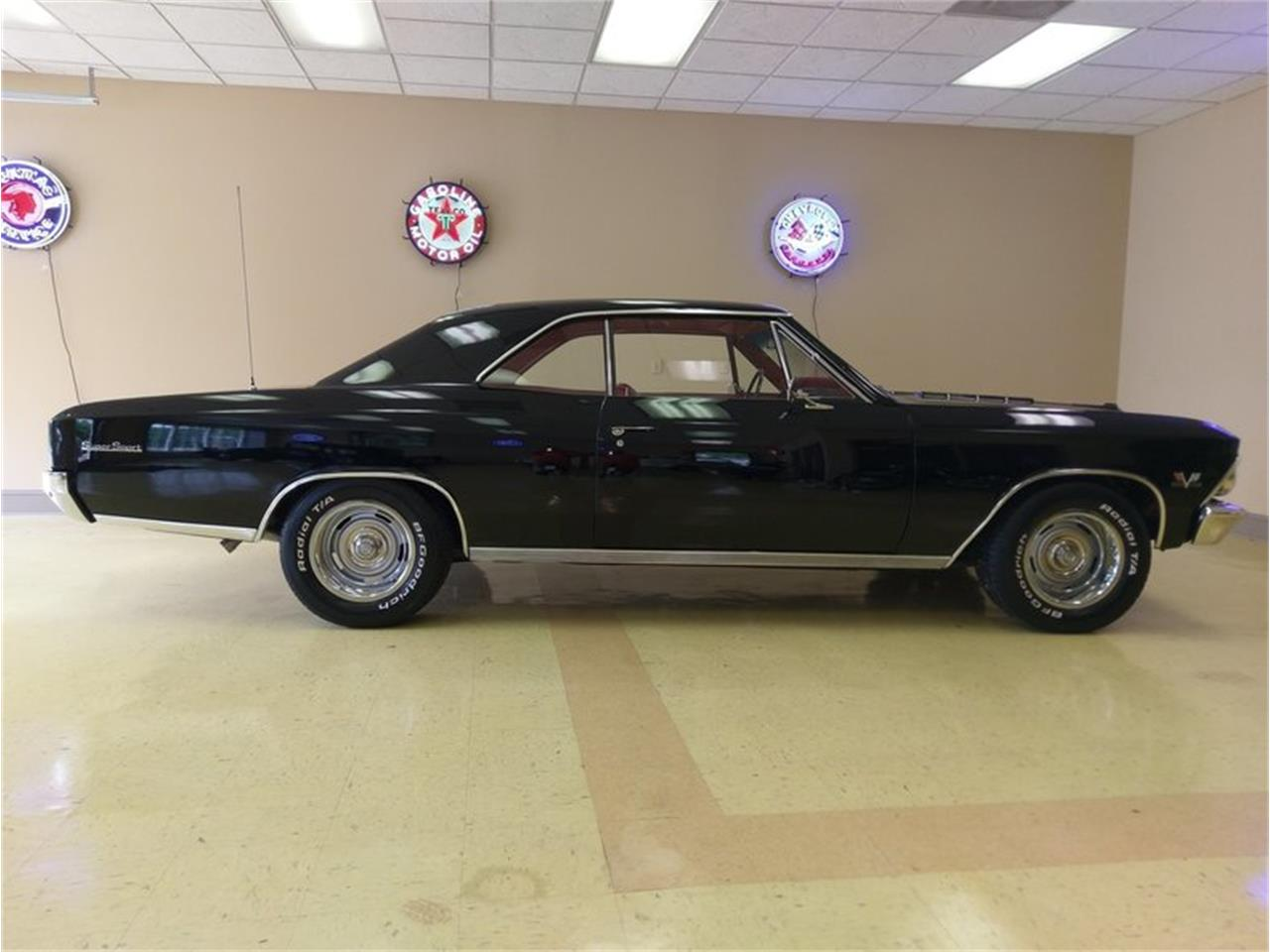 Large Picture of '66 Chevelle - NMAA