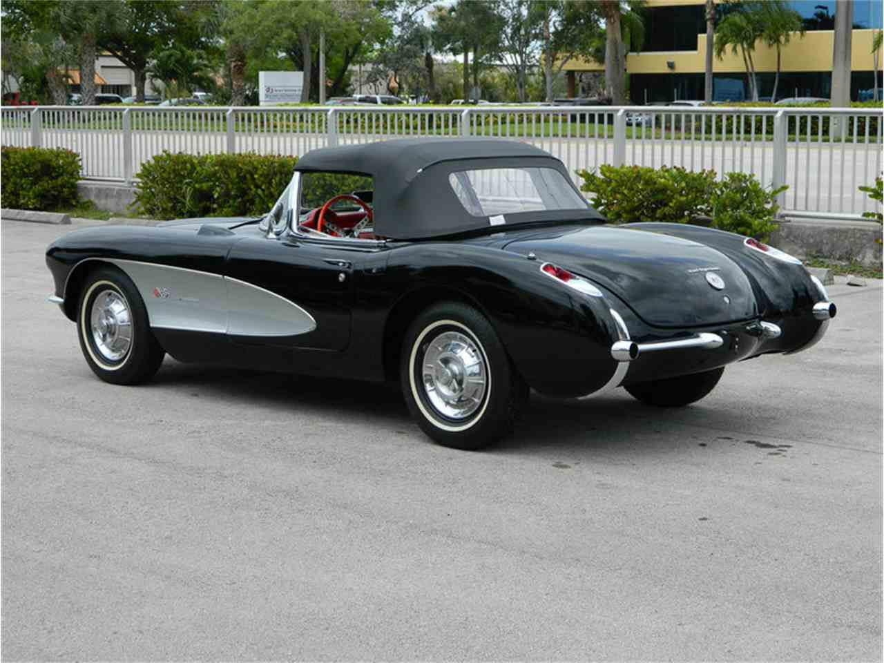 Large Picture of '57 Corvette - NMEW
