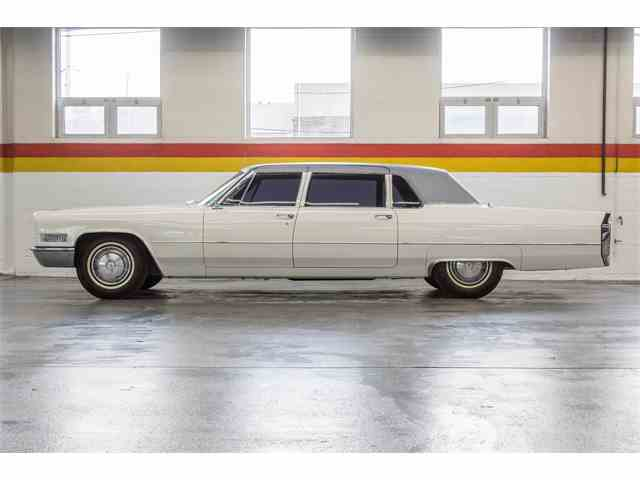 Picture of '66 Cadillac Fleetwood Limousine located in Montreal Quebec Offered by  - NKXQ