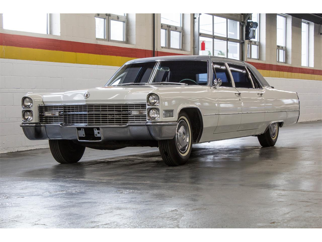 Large Picture of 1966 Fleetwood Limousine located in Montreal Quebec - $49,995.00 - NKXQ